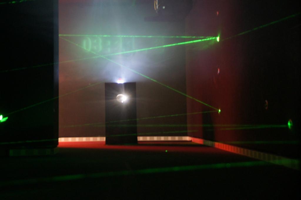 spy museum roberta caldas
