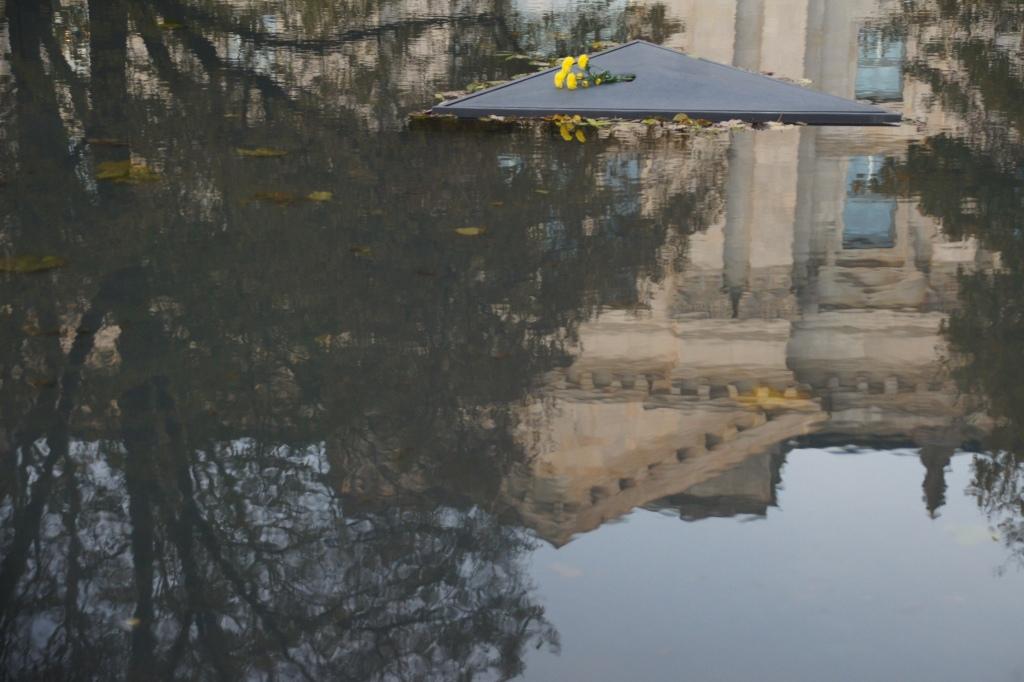 memorial sinti and roma berlin roberta caldas